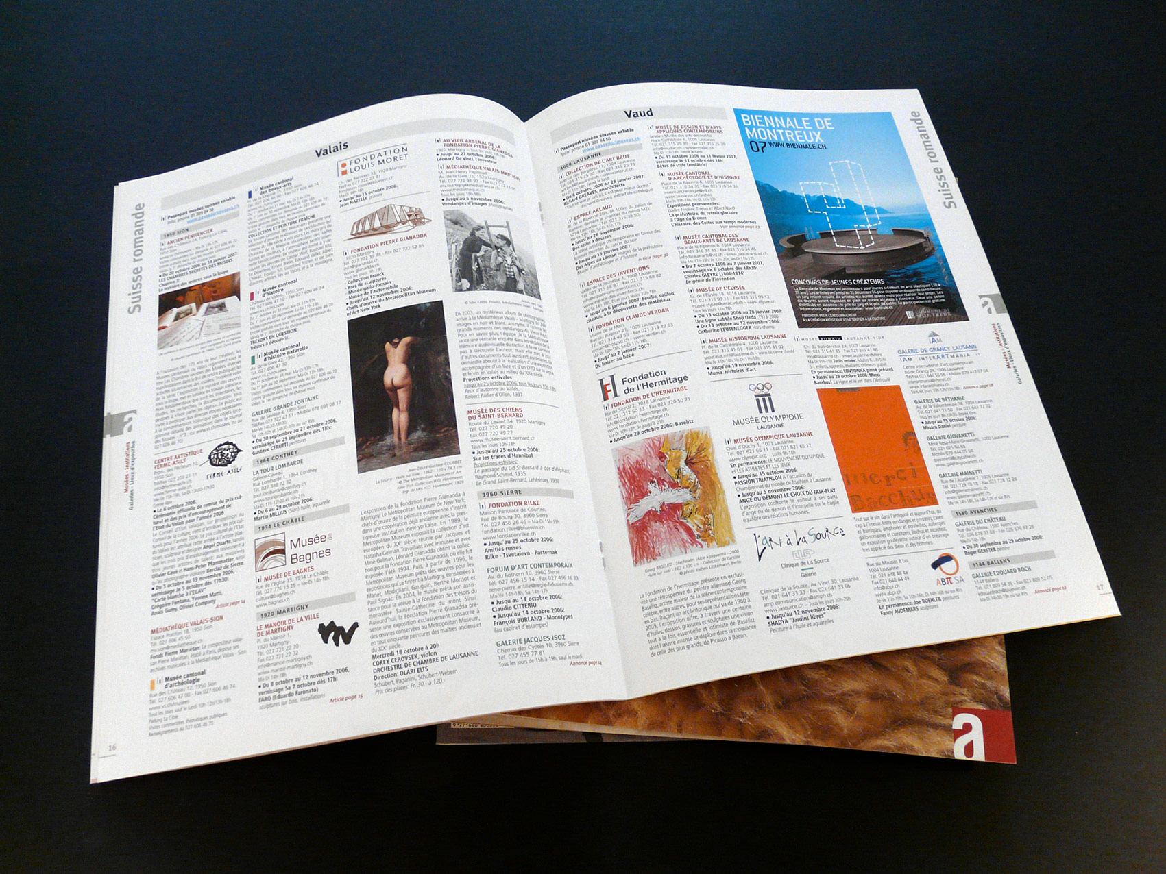 Accrochages magazine d'art et agenda culturel de Suisse romande, direction artistique et mise en pages © Haymoz design, graphiste Lausanne